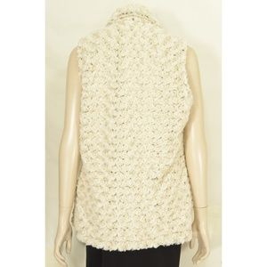 Vine Street Apparel Jackets & Coats - Vine Street vest SZ L NWT off white faux fur soft